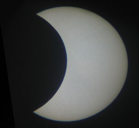 Image obtained while projecting an image of a solar eclipse using 60 mm spotting scope