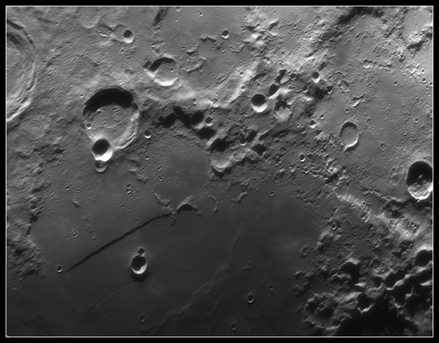 moon - straight wall formation